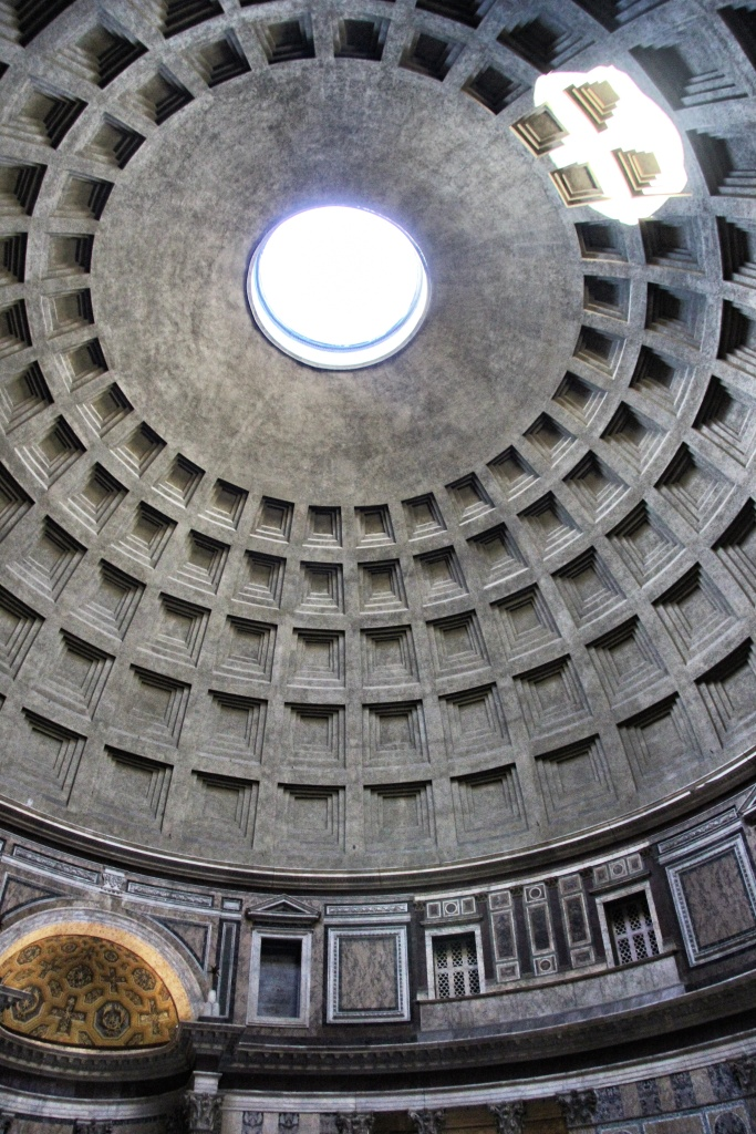 Looking up at the Pantheon roof